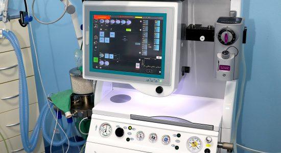 Anestetický prístroj, operačný zákrok pes, mačka